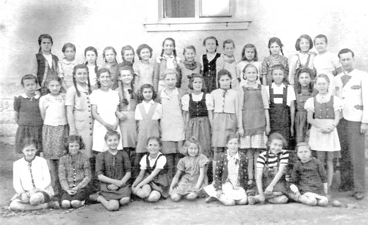 Lager 65 School  in Linz
